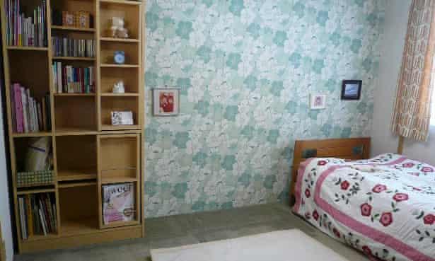 The same room after decluttering
