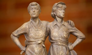 A statue commemorating Sheffield's women of steel is planned for outside the City Hall