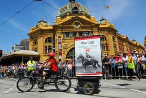Phar Lap is payed tribute