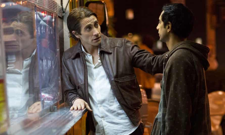 Jake Gyllenhaal and Riz Ahmed in Nightcrawler.