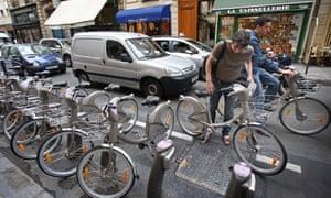 A man undocks a Vélib bike in Paris, 2007