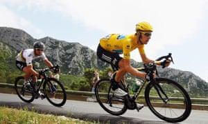 Bradley Wiggins (right) riding a Pinarello Dogma 2 on Le Cap d'Agde (2012)