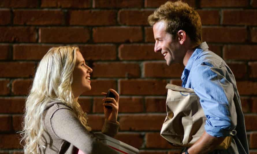 Scarlett Johansson and Bradley Cooper in He's Just Not That Into You.