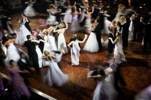 Dancing at Old Billingsgate Hall