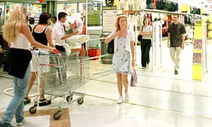 French shoppers in Toulouse