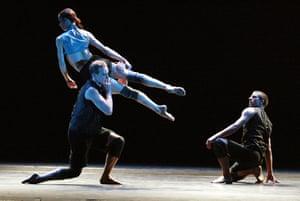 Sylvie Guillem, Michael Nunn and William Trevitt in Broken Fall