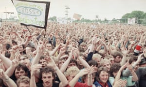 An estimated crowd of 150,000 watched Bruce Springsteen perform at East Berlin's Weißensee cycling track on 19 July, 1988.