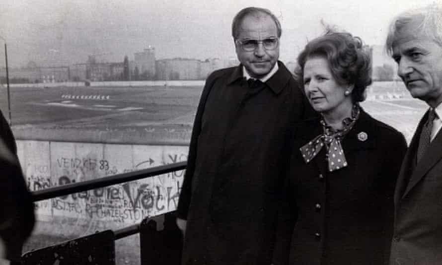 Margaret Thatcher surveys the wall in 1982 with German chancellor Helmut Kohl and the mayor of West Berlin, Richard von Weizsäcker.