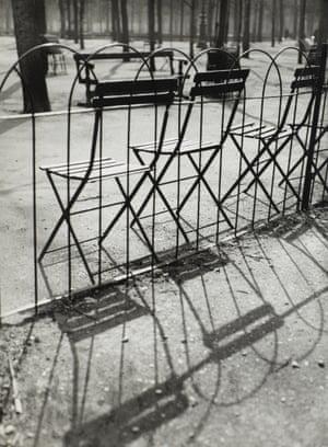Jardin des Tuileries, Paris, 1927.