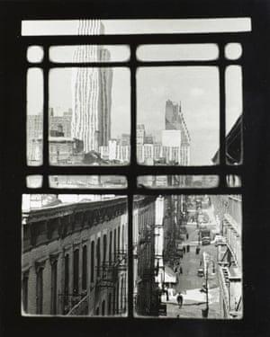 Third Avenue, New York, 1937.