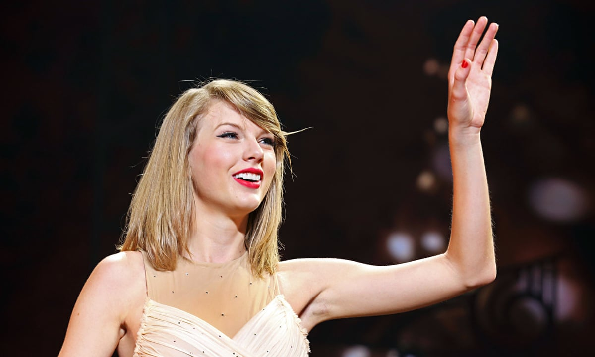 Taylor Swift Takes A Stand Over Spotify Music Royalties