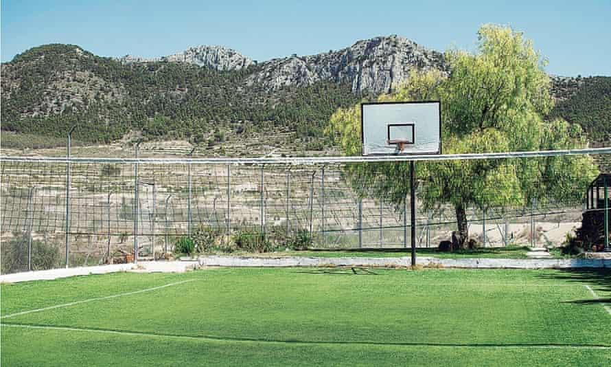 Spanish prison: volleyball