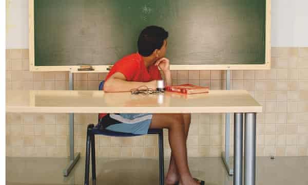 Spanish prison: reading