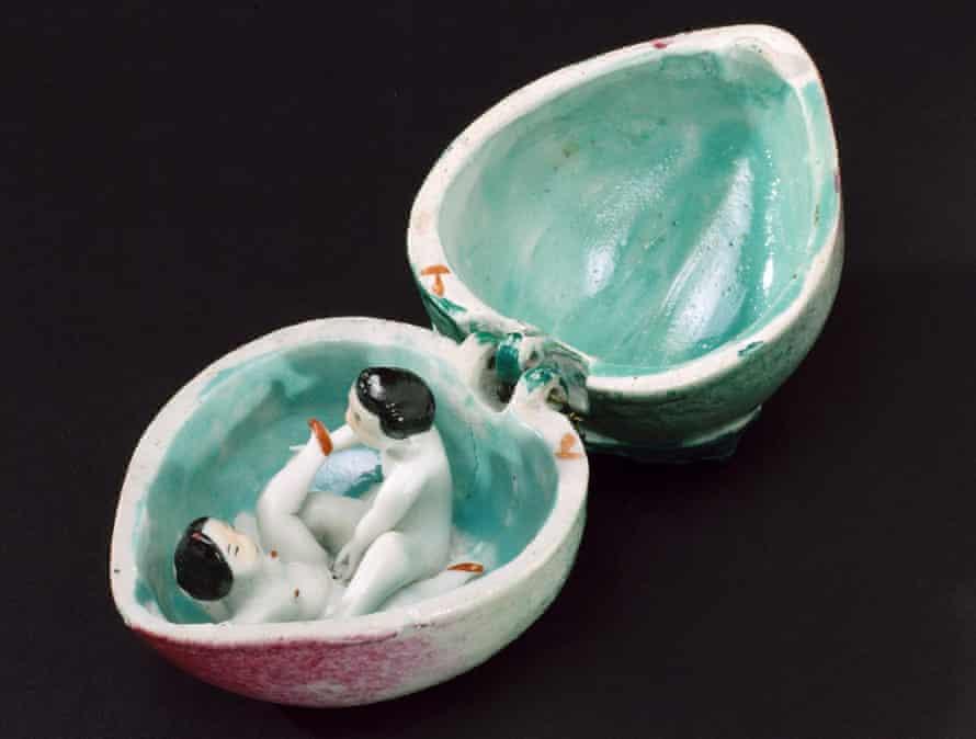 Porcelain fruit