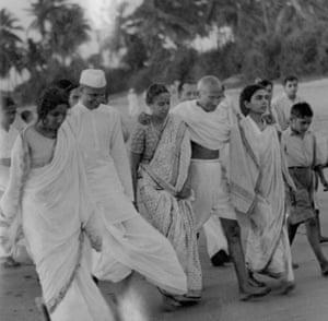 Gandhi walks Juhu beach 1938