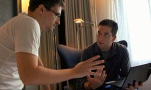 Snowden with Glenn Greenwald in Citzenfour.
