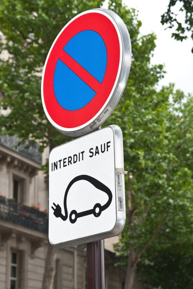 paris autolib' car sharing service