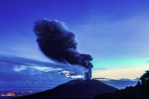 The Turrialba volcano, in the Costa Rican province of Cartago, spews ash during its largest eruption for 150 years. The National Institute of Emergencies began evacuating people living on its slopes