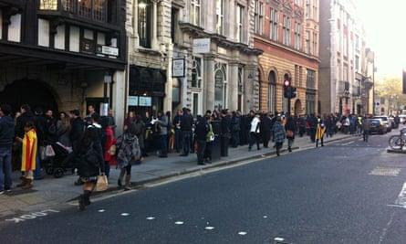 Catalans queue in Fleet Street