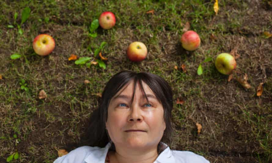 Ali Smith's How to Be Both explors love, art and possibility with an extraordinary freshness