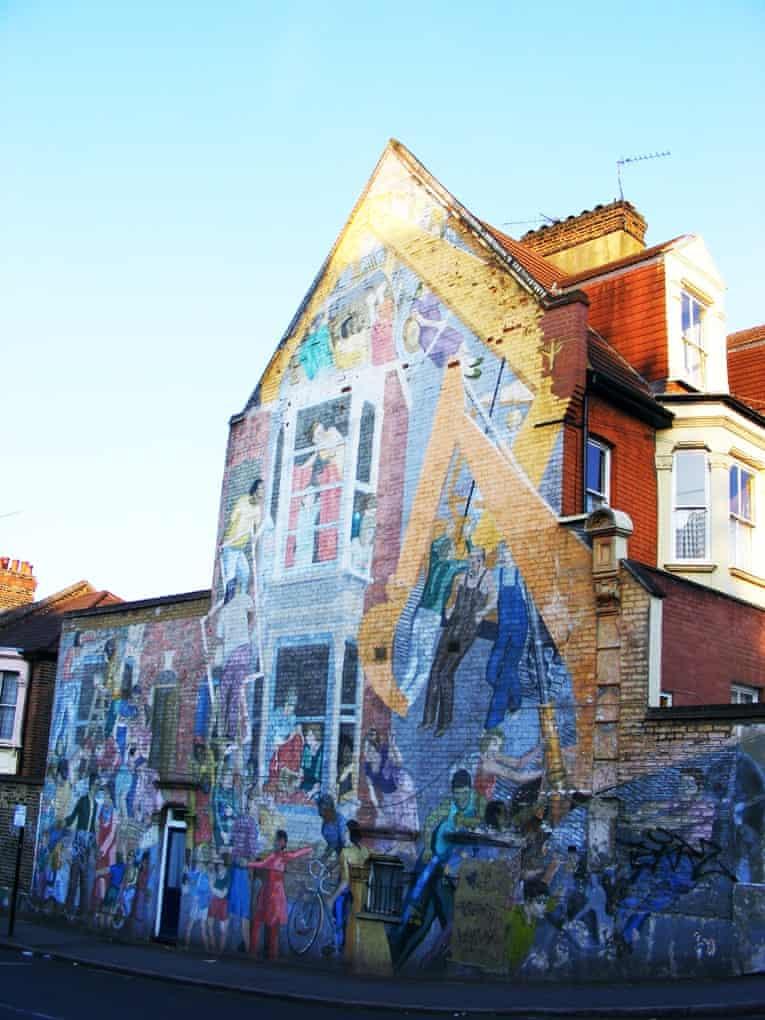 2  |  Floyd Road Mural Greenwich Mural Workshop, 1976 Charlton, south-east London Urban75.com