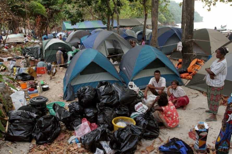 Moken in tents