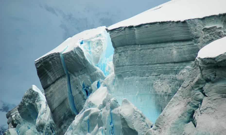 "An Antarctic ice shelf: in 2014, three huge glaciers showed ""irreversible decline""."