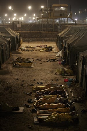 camp bucca detainees sleep