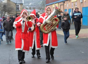 More music for fans to enjoy, this time at Burnley v Southampton where a jazz playing trio donned Santa outfits as they made their way to Turf Moor