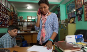 Kathmandu.Doma Khatri, 21, at work at Himalayan Guides Nepal, the same your agency her father Dorje Khatri worked. Since he died, they have not known what to do since he was their main source of income, now they are searching for a new source.