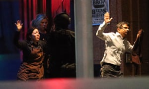 Hostages run to safety from Sydney siege.