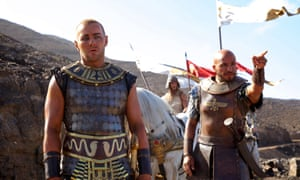 Joel Edgerton and Dar Salim in a scene from Exodus: Gods And Kings