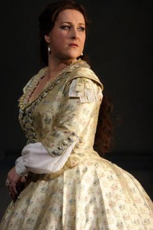 DIANA DAMRAU AS VIOLETTA in La Traviata, Royal Opera House 2014.