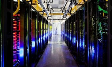 Google Reveals Top-Secret Data centers - 17 Oct 2012