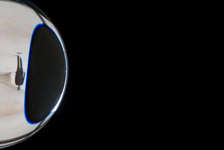 Olafur Eliasson - Contact at Fondation Louis Vuitton, Paris. Olafur Eliasson, Parallax planet, 2014 (detail)
