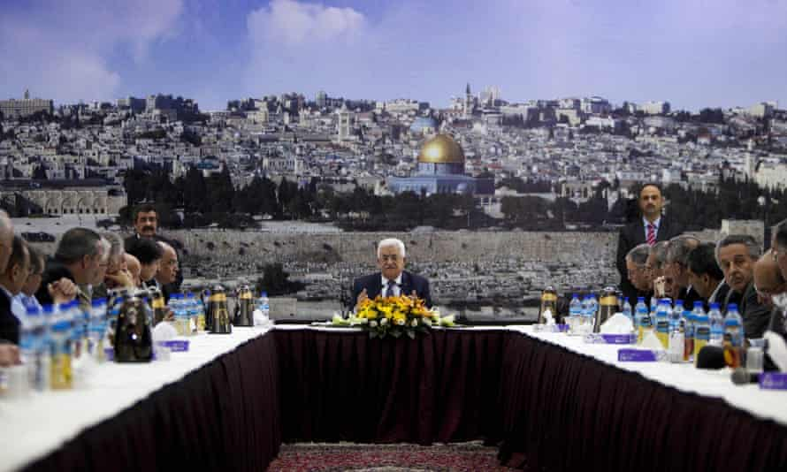 Mahmoud Abbas has told the UN general assembly it is time to fast-track Palestinian statehood
