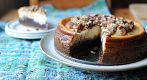 TwinnyDip's brownie cheesecake with a caramel pecan crunch