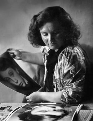 Jane Bown at Guildford school of Art, circa 1947