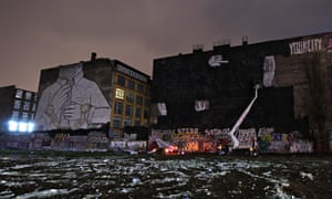 During the erasure of the Kreuzberg murals.