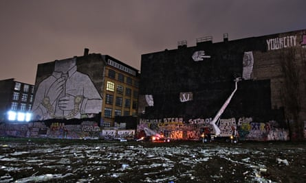 During the erasure of the Kreuzberg murals.