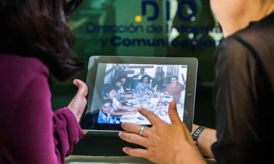 Though several internet offices have opened in the country, their high prices prevent most Cubans from using them.