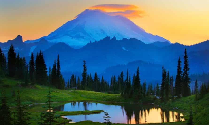 Mount Rainier at sunset from Tipsoo