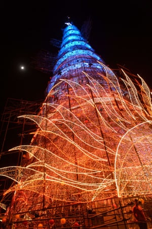 A 85-meter-high floating Christmas tree in Rio de Janeiro, Brazil is the world's highest floating Christmas tree as registered by the Guiness World Records