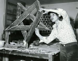 Monir Shahroudy Farmanfarmaian in her studio working on Heptagon Star, Tehran, 1975. Courtesy of the artist and The Third Line, Dubai