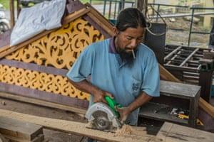 Amin Mariadi, carpenter