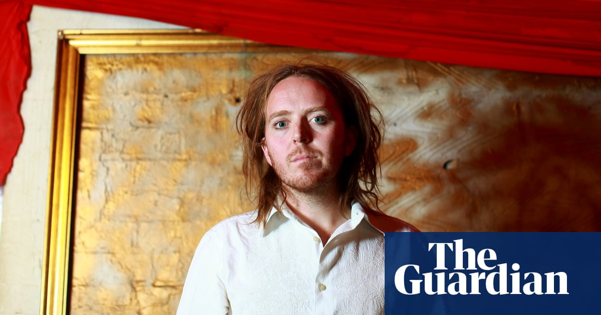 White Wine in the Sun by Tim Minchin – a Christmas song for