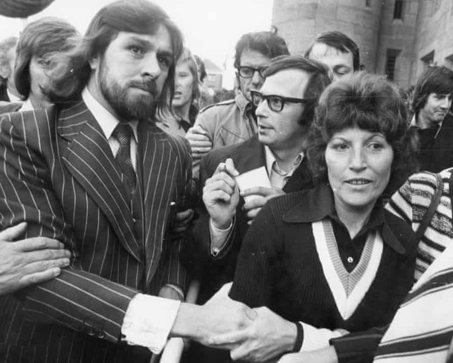 Tomlinson with his then wife, Marlene, on his release from prison in 1975.