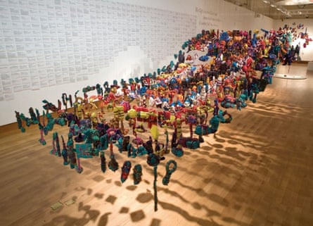 Alinah's mother's death inspired The Gifts (2010)</a>, a collection of 999 objects that represented a loss or an ending, and were ritually wrapped in cloth which donors then designed into a suspended installation in the form of a receding wave, in Bristol Museum and Art Gallery