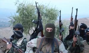 叙利亚的伊希斯武装分子。武器继续流入该地区。