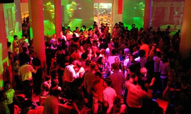 club-lick-london-debra-mcmichaels-ass-pics